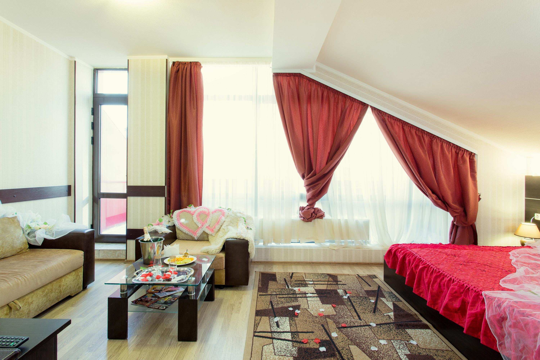 Honeymoon Suite at Viva Hotel