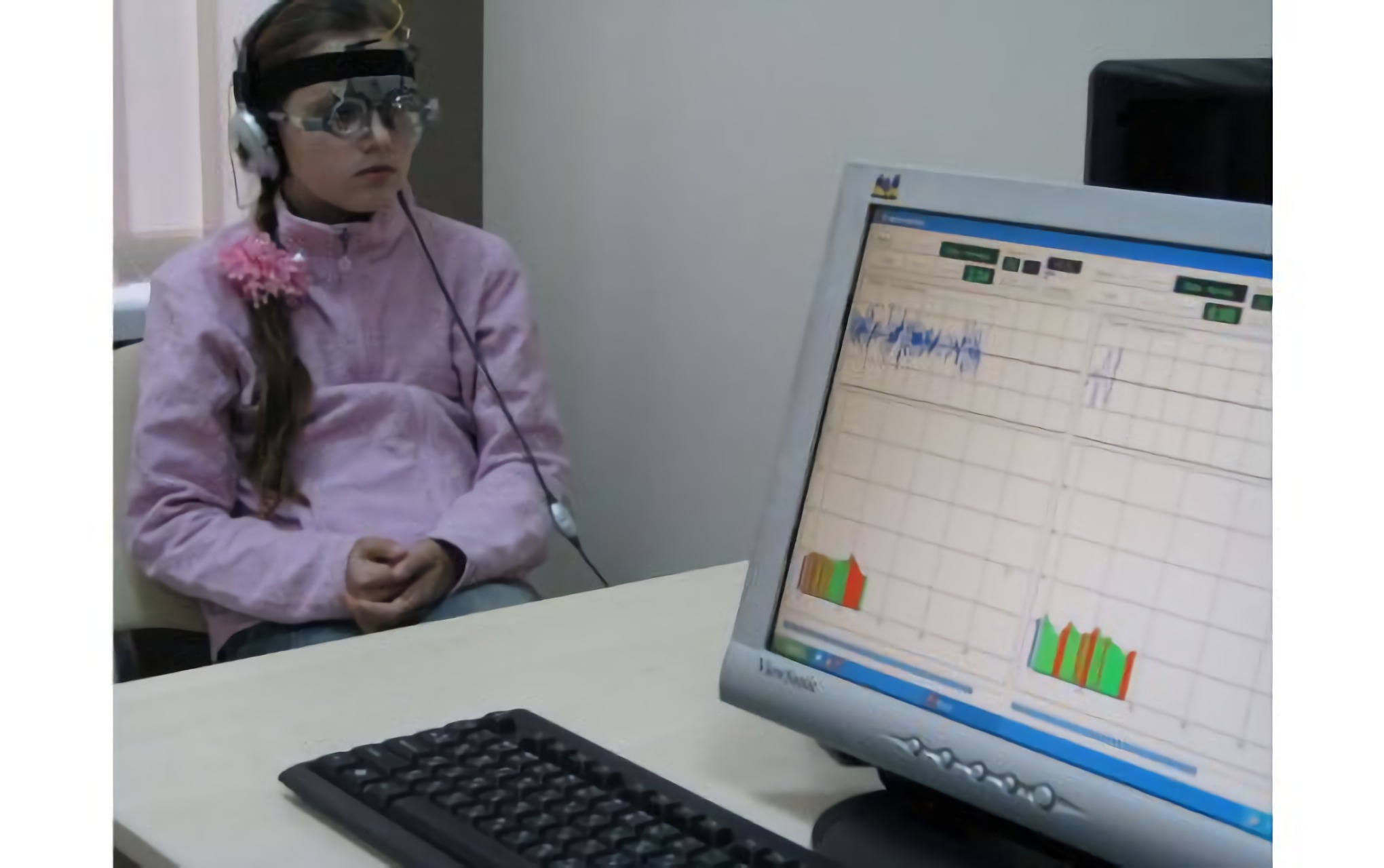 A girl being examined by an ophthalmologist at the Novy Zir Kharkiv Clinic