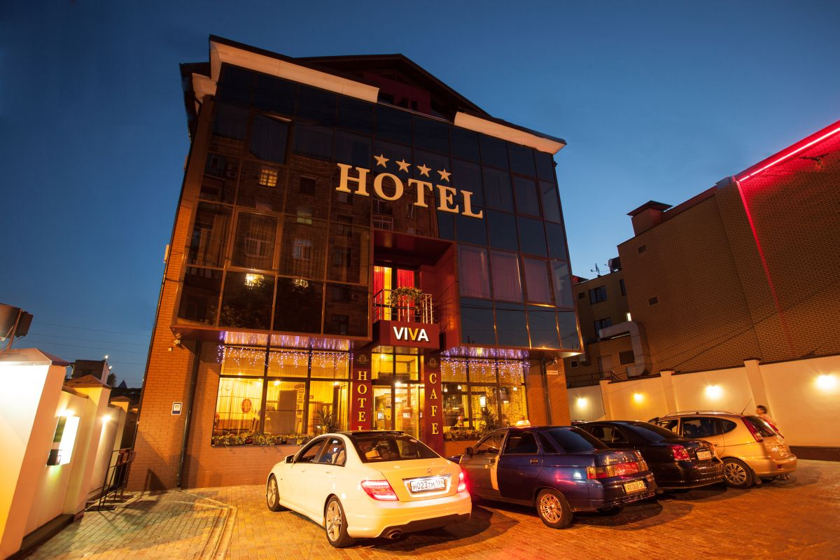 Facade of the Viva Hotel building in Kharkov