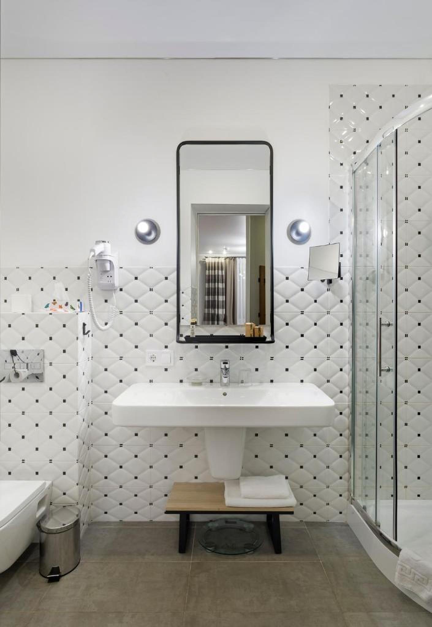 A Deluxe Bathroom