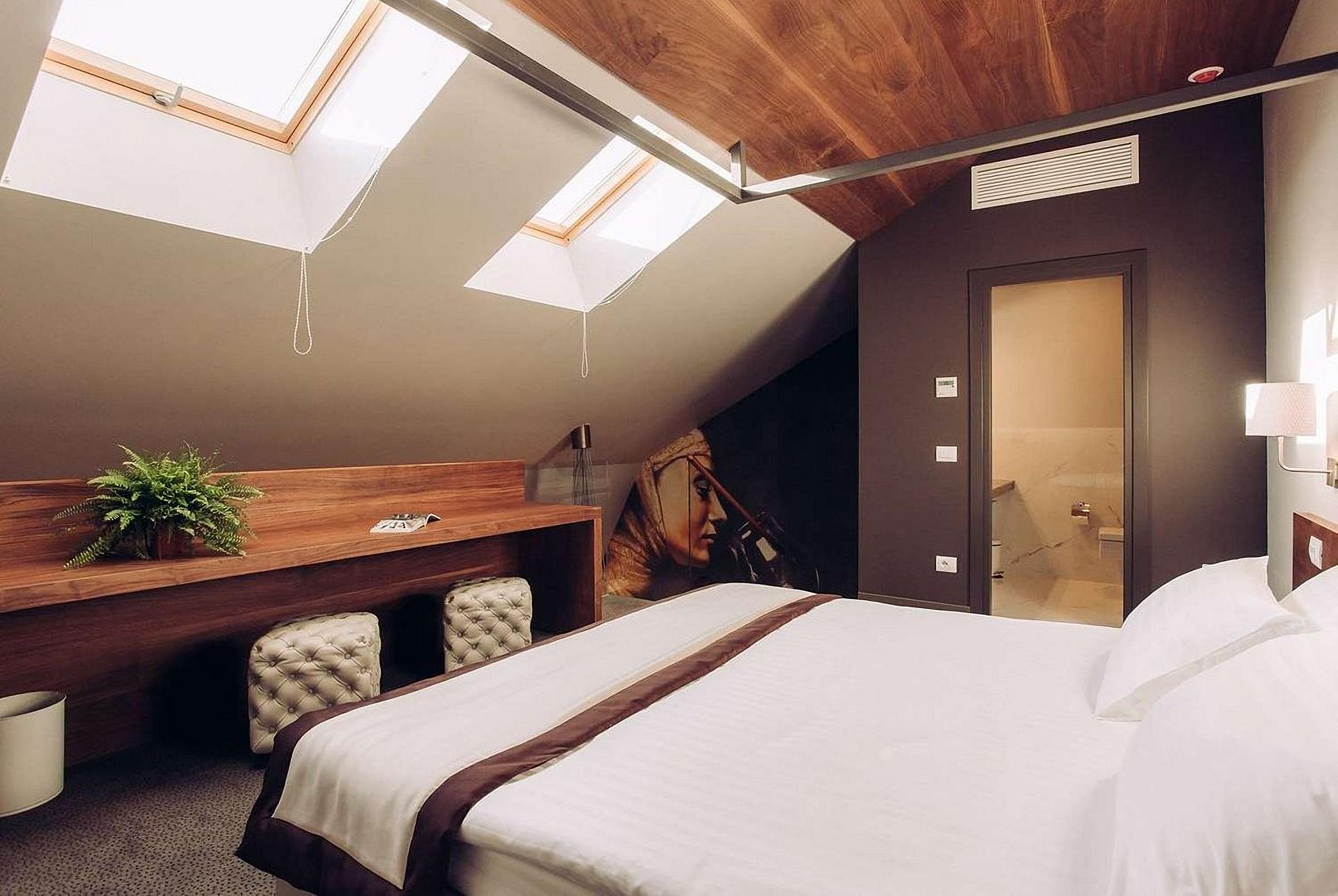 Design of a suite at UNO Design Hotel Odessa